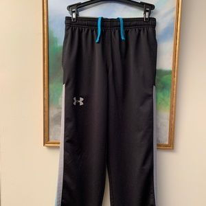 Youth Under Armour loose athletic fit pant